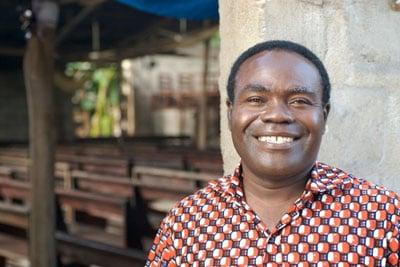 togo-pastor-happy
