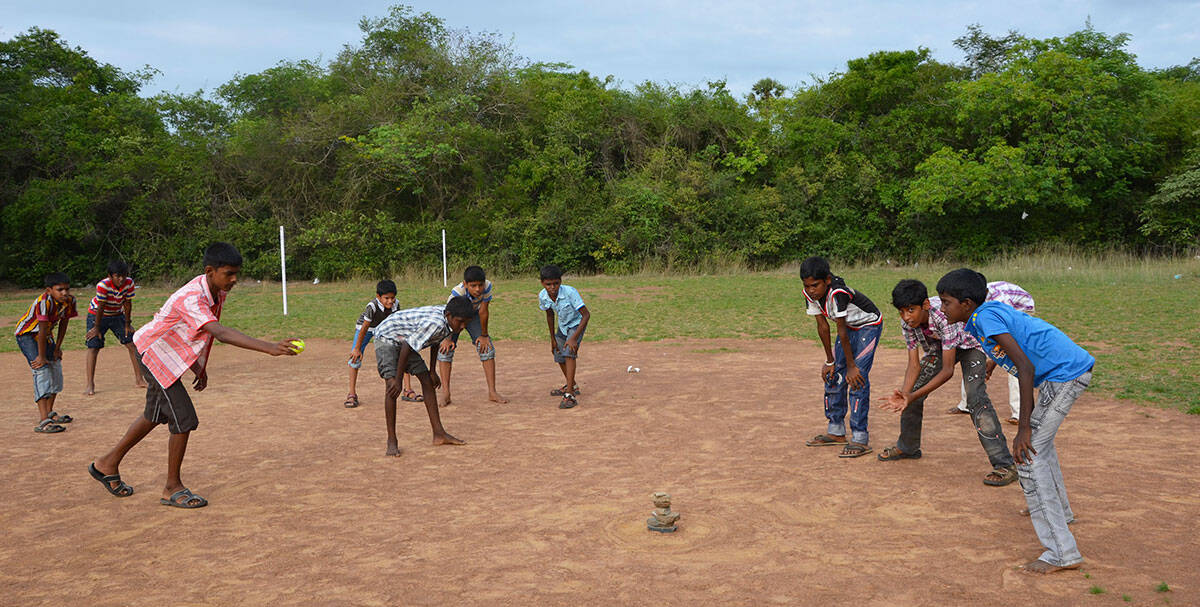 Traditional Game in India: Seven Stones Playing