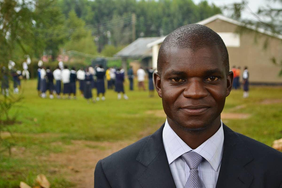 Schools in Kenya Evans the teacher